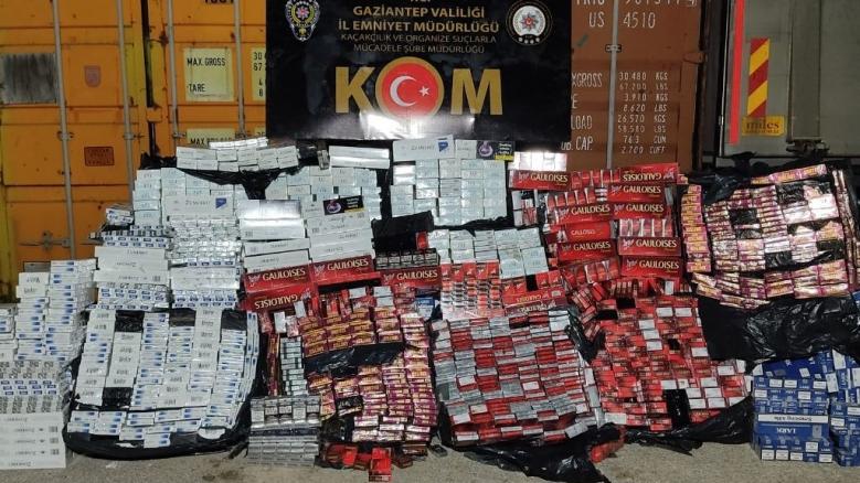POLİS 23 BİN 200 PAKET KAÇAK SİGARA ELE GEÇİRDİ