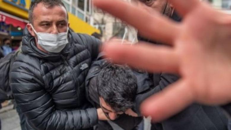 POLİSİN GÖRÜNTÜSÜNÜN ALINMASINI YASAKLAYAN GENELGEYE DAVA AÇILDI...