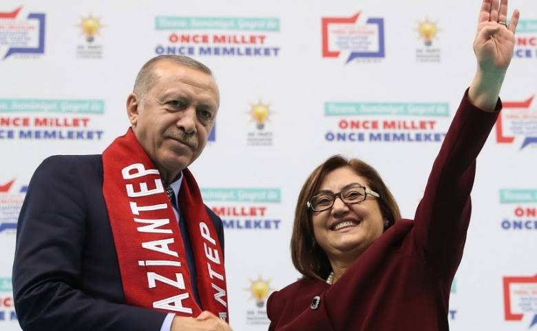 BAŞKAN ŞAHİN'E, ERDOĞAN'DAN ÖVGÜ